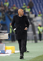 Calcio, Serie A: Roma vs Inter. Roma, stadio Olimpico, 19 marzo 2016.<br /> Roma's coach Luciano Spalletti walks on the pitch during the Italian Serie A football match between Roma and FC Inter at Rome's Olympic stadium, 19 March 2016. The game ended 1-1.<br /> UPDATE IMAGES PRESS/Isabella Bonotto