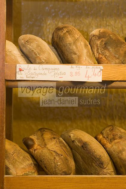 Europe/France/Rhône-Alpes/73/Savoie/ env de Chambéry/Voglans: Boulangerie Vincent La Savoyarde -boule de pain de campagne au levain.