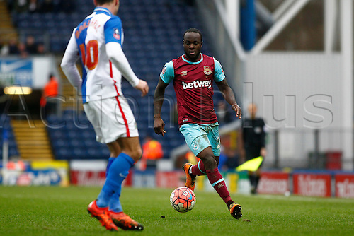 21.02.2016. Ewood Park, Blackburn, England. Emirates FA Cup 5th Round. Blackburn Rovers versus West Ham United. West Ham midfielder Victor Moses takes on Blackburn Rovers midfielder Ben Marshall.