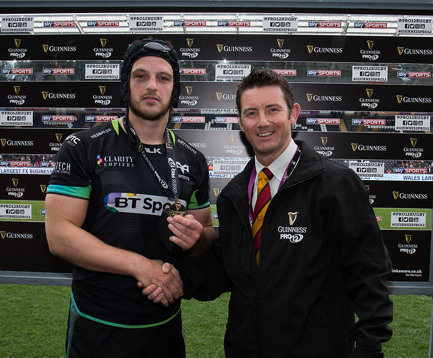 Man of the match Ospreys' Dan Evans presented by David Gomez on behalf of Guinness<br /> <br /> Photographer Simon King/CameraSport<br /> <br /> Guinness Pro12 Round 21 - Ospreys v Ulster Rugby - Saturday 29th April 2017 - Liberty Stadium - Swansea<br /> <br /> World Copyright &copy; 2017 CameraSport. All rights reserved. 43 Linden Ave. Countesthorpe. Leicester. England. LE8 5PG - Tel: +44 (0) 116 277 4147 - admin@camerasport.com - www.camerasport.com