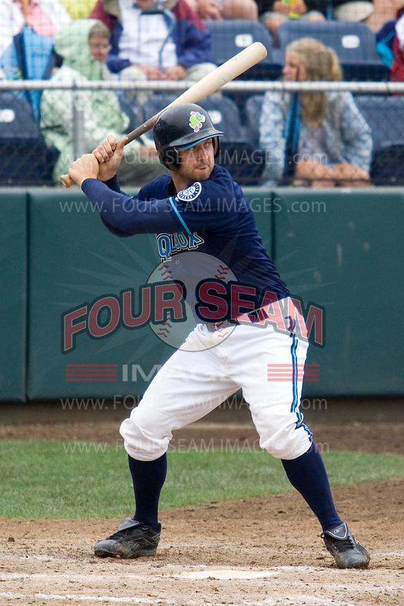 August 7, 2007: Catcher Craig Hurba of the Everett AquaSox batting in a Northwest League game at Everett Memorial Stadium in Everett, Washington.
