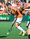BLOEMENDAAL   - Hockey -  2e wedstrijd halve finale Play Offs heren. Bloemendaal-Amsterdam (2-2) . A'dam wint shoot outs. Jamie Dwyer (Bldaal).   COPYRIGHT KOEN SUYK