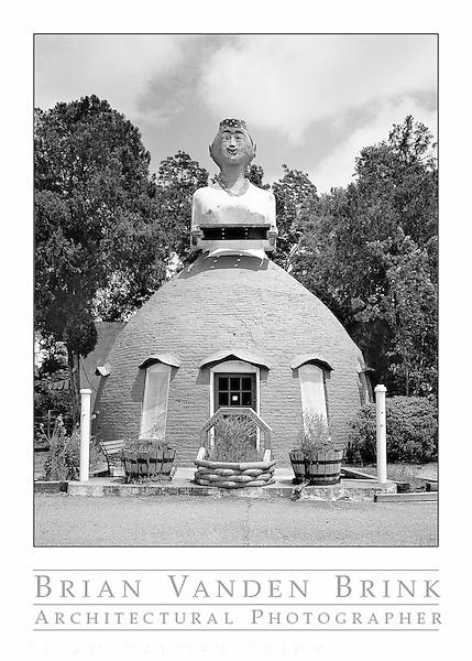 MAMMY'S CUPBOARD, Built 1940, Natchez, Mississippi © Brian Vanden Brink, 2010