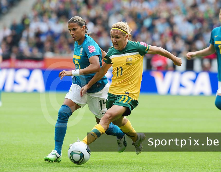Fifa Women's World Cup Germany 2011 : Brazil - Australia  at Borussia - Park in Munchengladbach : Lisa De Vanna aan de bal voor Fabiana.foto DAVID CATRY / Vrouwenteam.be