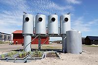 Nederland  IJmuiden aan Zee - juli 2019.  Tribal Toilet Tower van Joep van Lieshout. Gebiedsontwikkeling rond de jachthaven in IJmuiden. De kunstwerken Domestikator, Refter, Bikinibar en Tribal Tower van Atelier Van Lieshout en de Urban Campsite zijn vanaf half juni te bezoeken. De bouw van de nieuwe kustplaats rondom de Marina Seaport is nog niet van start, maar de eerste tijdelijke veranderingen zijn nu zichtbaar. De Tribal Toilet Tower is een zelfvoorzienend toiletgebouw met compostreservoirs en septic tanks.  Foto Berlinda van Dam / Hollandse Hoogte
