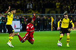 10.11.2018, Signal Iduna Park, Dortmund, GER, 1.FBL, Borussia Dortmund vs FC Bayern M&uuml;nchen, DFL REGULATIONS PROHIBIT ANY USE OF PHOTOGRAPHS AS IMAGE SEQUENCES AND/OR QUASI-VIDEO<br /> <br /> im Bild | picture shows:<br /> Achraf Hakimi (Borussia Dortmund #5) foult Renato Sanches (Bayern #35), <br /> <br /> Foto &copy; nordphoto / Rauch