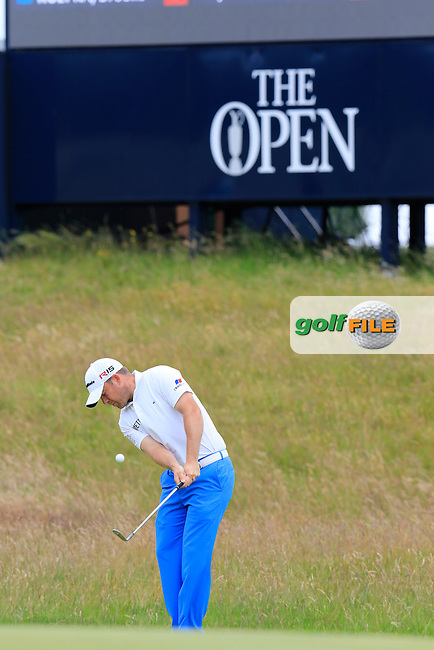 Richie RAMSAY (SCO) chips onto the 17th green during Monday's Final Round of the 144th Open Championship, St Andrews Old Course, St Andrews, Fife, Scotland. 20/07/2015.<br /> Picture Eoin Clarke, www.golffile.ie