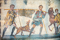 Hunters - Ancient Roman mosaics at the Villa Romana del Casale, Sicily, Italy Pictures, Photos, Images & fotos