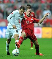 FUSSBALL   1. BUNDESLIGA  SAISON 2011/2012   27. Spieltag FC Bayern Muenchen - Hannover 96       24.03.2012 Steven Cherundolo (li, Hannover 96)  gegen Franck Ribery (FC Bayern Muenchen)
