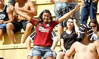SAO PAULO, SP, 05 DE FEVEIREIRO 2012 - CAMP. PAULISTA - CORINTHIANS X BRAGANTINO - Torcedores do Corinthians momentos antes da partida contra o Bragantino jogo  valido pela 5ª rodada do Campeonato Paulista, no Paulo Machado de Carvalho (Pacaembu), na regiao oeste da capital paulista. (FOTO: WILLIAM VOLCOV - NEWS FREE).