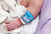 Baby security tag to prevent child abduction from maternity wards in Hospitals