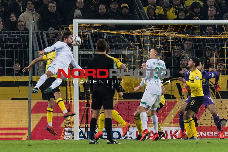 05.02.2019, Signal Iduna Park, Dortmund, GER, DFB-Pokal, Achtelfinale, Borussia Dortmund vs Werder Bremen<br /> <br /> DFB REGULATIONS PROHIBIT ANY USE OF PHOTOGRAPHS AS IMAGE SEQUENCES AND/OR QUASI-VIDEO.<br /> <br /> im Bild / picture shows<br /> Tor 3:3, Martin Harnik (Werder Bremen #09) köpft ein zum 3:3 Ausgleich in der zweiten Hälfte der Verlängerung, <br /> <br /> Foto © nordphoto / Ewert