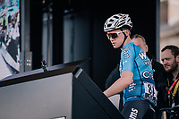 Michael Goolaerts (BEL/Willems Veranda's-Crelan) signing on at the start in Compi&egrave;gne.<br />