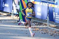 NEW YORK, NY, 06.11.2016 - MARATONA-NEW YORK - Crianças e adolecentes durante chegada da categoria juvenil  na Maratona Internacional de New York  nos Estados Unidos neste domingo, 06.(Foto: William Volcov/Brazil Photo Press)