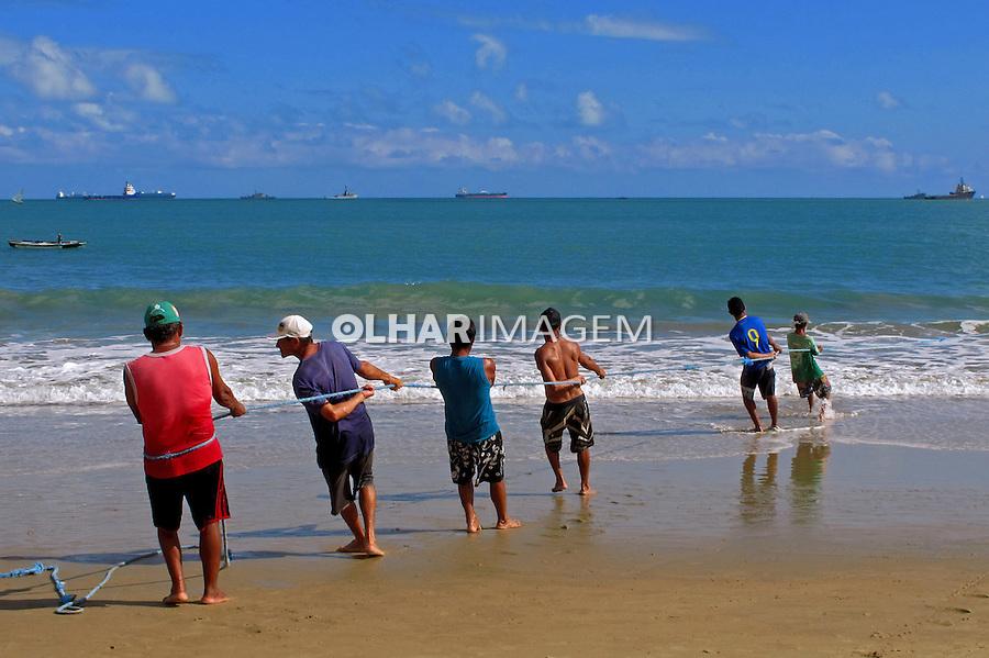 Pesca de arrastao na praia de Mucuripe. Fortaleza. Ceara. 2012. Foto de Marcia Minillo.