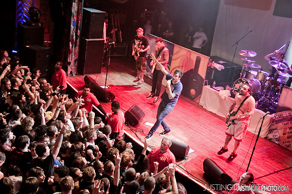 Live concert photo of New Found Glory @ House Of Blues Chicago by http://www.justingillphoto.com
