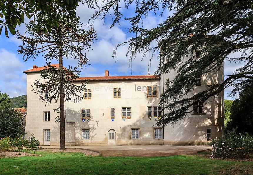 France, Haute-Loire (43), Aurec-sur-Loire, le château seigneurial d'Aurec // France, Haute Loire, Aurec sur Loire, seigneurial Aurec castle