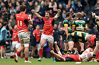 Marcelo Bosch of Saracens celebrates at the final whistle. Aviva Premiership match, between Northampton Saints and Saracens on April 16, 2017 at Stadium mk in Milton Keynes, England. Photo by: Patrick Khachfe / JMP
