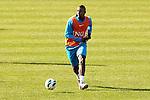 Nederland, Katwijk, 11 oktober  2012.Seizoen 2012-2013.Nederlandselftal.Training van Oranje.Douglas van Oranje in actie met de bal op de training