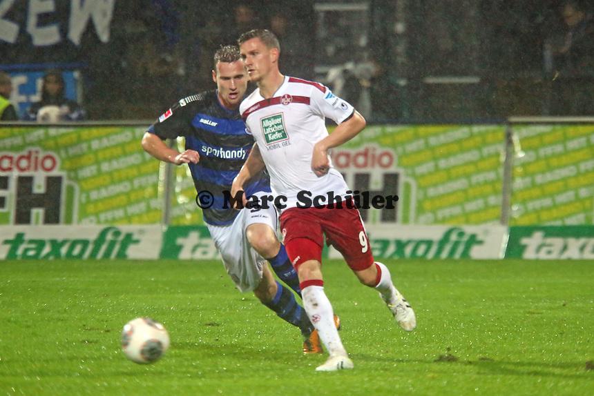 Simon Zoller (FCK) gegen Manuel Konrad (FSV) - FSV Frankfurt vs. 1. FC Kaiserslautern, Frankfurter Volksbank Stadion