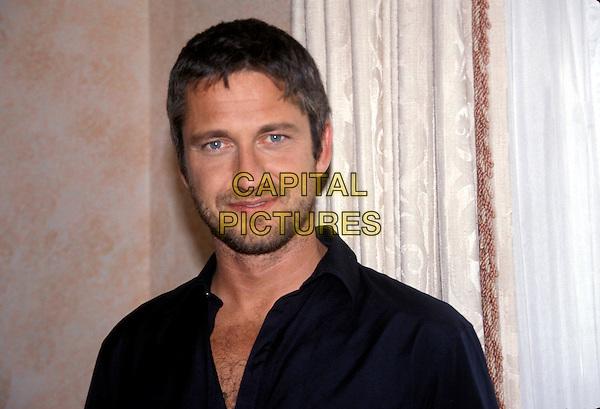 GERARD BUTLER.March 2005.headshot portrait stubble facial hair.www.capitalpictures.com.sales@capitalpictures.com.© Capital Pictures.