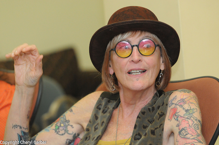 Kate Bornstein talks to Tulane students about transgender issues