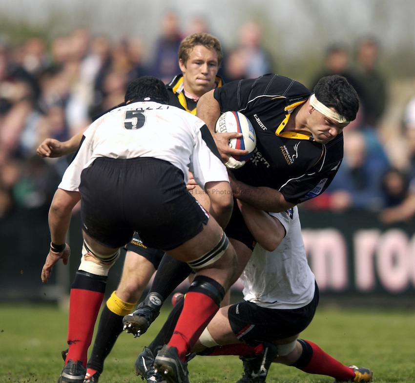 .Photo. Jed Wee.Newcastle Falcons v Saracens, Zurich Premiership, Kingston Park, Newcastle. 04/05/2003..Newcastle's Marius Hurter (R).