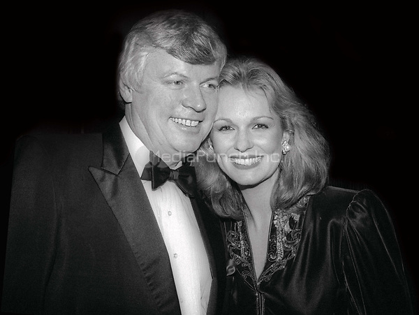 Gov. John Brown and wife Phyllis George 1981<br /> Photo By Adam Scull/PHOTOlink/MediaPunch