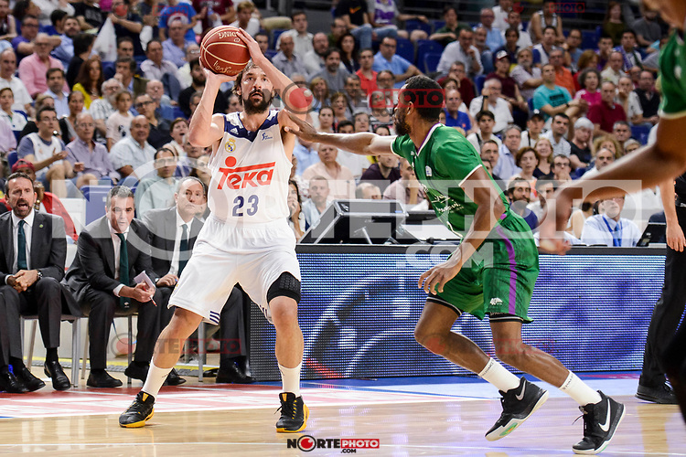 Real Madrid's Sergio Llull and Unicaja Malaga's Kyle Fogg during semi finals of playoff Liga Endesa match between Real Madrid and Unicaja Malaga at Wizink Center in Madrid, June 02, 2017. Spain.<br /> (ALTERPHOTOS/BorjaB.Hojas) /NortePhoto.com