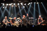 Mechanik Destruktiv Kommando Live am 25. August 2015 im Berliner Club SO36.<br /> German rock band named after Magma (6) - Mekanik Destruktiw Kommandoeh whose members were Uli Radike on drums, Stephan Schwietzke on saxophone, Alexander Hacke on guitar, Ze-Thai on bass &amp; Volker Hauptvogel on vocals.<br /> 25.8.2015, Berlin<br /> Copyright: Christian-Ditsch.de<br /> [Inhaltsveraendernde Manipulation des Fotos nur nach ausdruecklicher Genehmigung des Fotografen. Vereinbarungen ueber Abtretung von Persoenlichkeitsrechten/Model Release der abgebildeten Person/Personen liegen nicht vor. NO MODEL RELEASE! Nur fuer Redaktionelle Zwecke. Don't publish without copyright Christian-Ditsch.de, Veroeffentlichung nur mit Fotografennennung, sowie gegen Honorar, MwSt. und Beleg. Konto: I N G - D i B a, IBAN DE58500105175400192269, BIC INGDDEFFXXX, Kontakt: post@christian-ditsch.de<br /> Bei der Bearbeitung der Dateiinformationen darf die Urheberkennzeichnung in den EXIF- und  IPTC-Daten nicht entfernt werden, diese sind in digitalen Medien nach &sect;95c UrhG rechtlich geschuetzt. Der Urhebervermerk wird gemaess &sect;13 UrhG verlangt.]