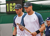 Paris, France, 22 June, 2016, Tennis, Roland Garros, Doubles : Bob (L) and Mike Bryan (USA)<br /> Photo: Henk Koster/tennisimages.com