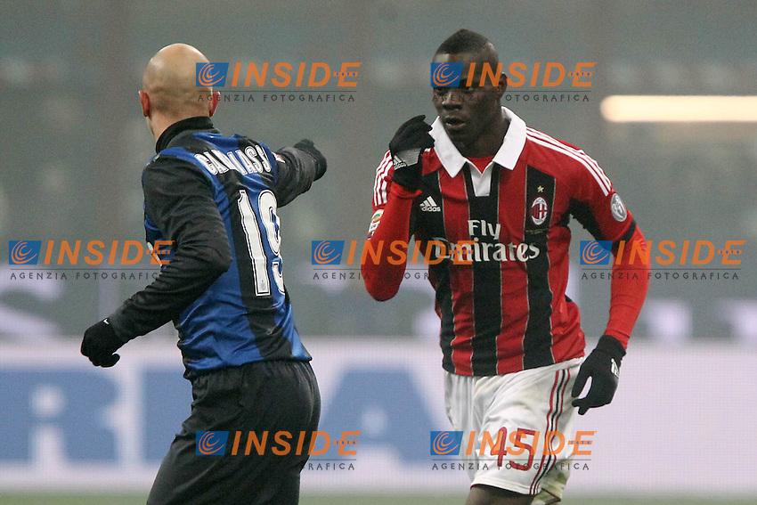 """Mario Balotelli Milan Esteban Cambiasso Inter.Milano 24/02/2013 Stadio """"San Siro"""".Football Calcio Serie A 2012/13.Inter v Milan.Foto Insidefoto Paolo Nucci."""