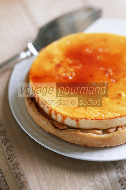 """Europe/France/Normandie/14/Calvados/Deauville: Tarte souflée aux pommes de la patisserie """"Charlotte Corday"""" Place du Casino"""