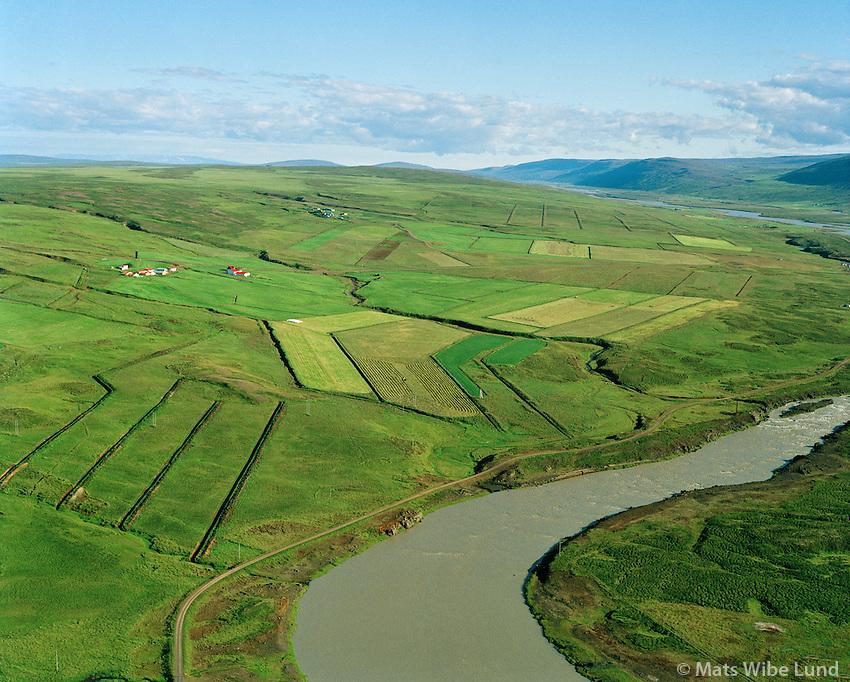 Ingjaldsstaðir séð til suðurs, Skjálfandafljót. Þingeyjarsveit áður Reykdælahreppur / Ingjaldsstadir viewing south, Skjalfandafljot river. Thingeyjarsveit former Reykdaelahreppur