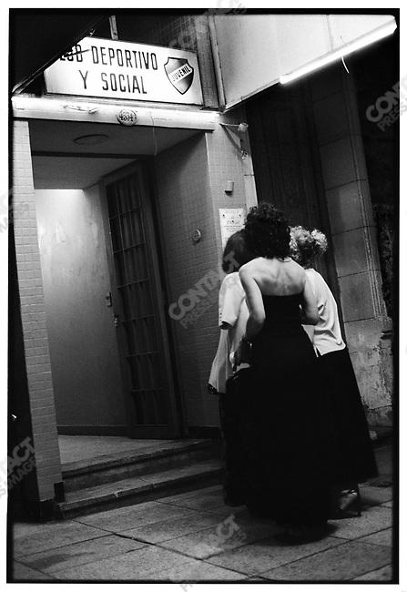 3:25 a.m., El Juvenil, Buenos Aires, Argentina, March 2000