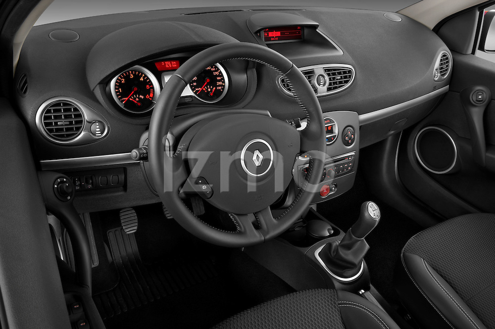 High angle dashboard view of a 2009 Renault Clio Pack GT Wagon