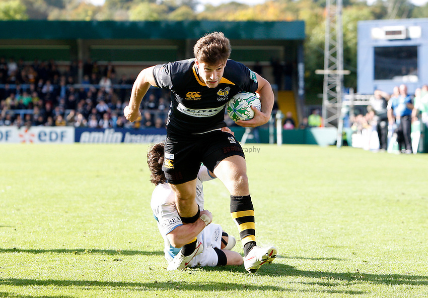 Photo: Richard Lane/Richard Lane Photography. London Wasps v Glasgow Warriors. Heineken Cup. 17/10/2010. Wasps' Dominic Waldouck breaks for the fourth try, securing a bonus point.
