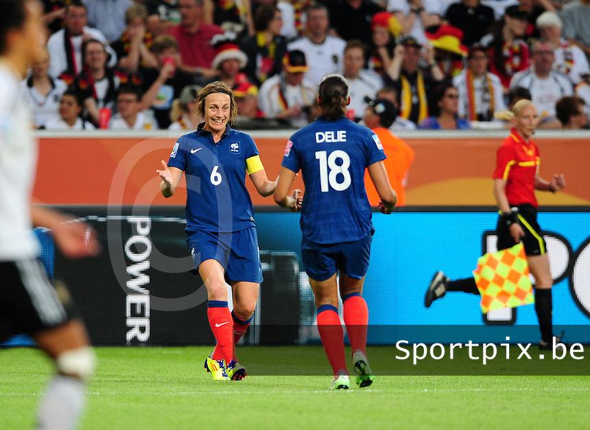Fifa Women's World Cup Germany 2011 : France - Germany ( Frankrijk - Duitsland ) at Munchengladbach World Cup stadium : vreugde bij Frankrijk na een doelpunt van Marie-Laure DELIE , Sandrine SOUBEYRAND viert mee.foto DAVID CATRY / Vrouwenteam.be