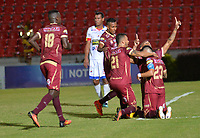 IBAGUÉ - COLOMBIA, 02-11-2017: Angelo Rodriguez (manos arriba) jugador del Deportes Tolima celebra con sus compañeros después de anotar el segundo gol de su equipo a Deportivo Pasto durante partido por la fecha 18 de la Liga Águila II 2017 jugado en el estadio Manuel Murillo Toro de Ibagué. / Angelo Rodriguez (hands up) player of Deportes Tolima celebrates with his teammates after scoring the second goal of his team to Deportivo Pasto during match for date 18 of the Aguila League II 2017 played at Manuel Murillo Toro stadium in Ibague city. Photo: VizzorImage / Juan Carlos Escobar / Cont