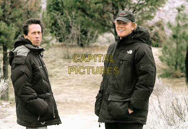 BRIAN GRAZER (PRODUCER) & RON HOWARD (DIRECTOR).in The Missing.Filmstill - Editorial Use Only.Ref: FB.www.capitalpictures.com.sales@capitalpictures.com.Supplied by Capital Pictures