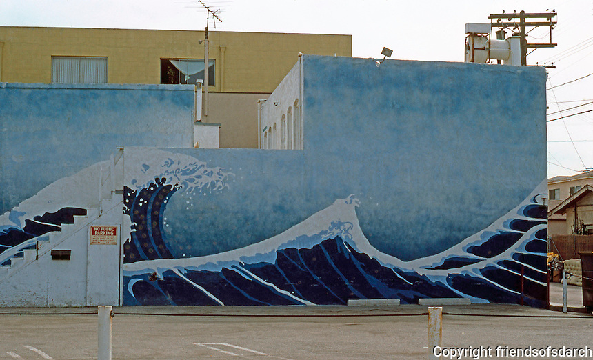 Venice CA: Street Mural--Japanese Waves.  Photo '84.