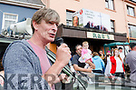 IMPROMPTU PERFORMANCE:  Renowned Seanos singer Sean Keane stops off on his way to a gig in Banteer to entertain Johnny Healy Rae and daughter Maggie and the large crowd gathered at the Kilgarvan Vintage Day and Traditional Music Festival.