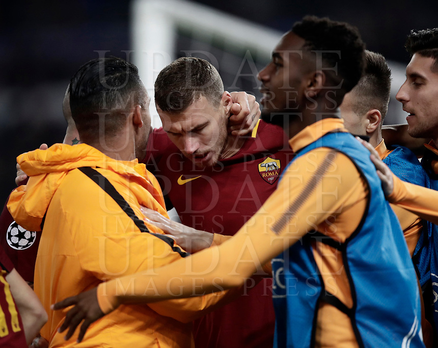Football Soccer: UEFA Champions League  Round of 16 Second Leg, AS Roma vs FC Shakhtar Donetsk, Stadio Olimpico Rome, Italy, March 13, 2018. <br /> Roma's Edin Dzeko (c) celebrates after scoring with his teammates during the Uefa Champions League football soccer match between AS Roma and FC Shakhtar Donetsk at Rome's Olympic stadium, March 13, 2018.<br /> UPDATE IMAGES PRESS/Isabella Bonotto