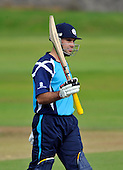 Cricket CB40 - Scottish Saltires V Hampshire Royals at Mannofield - Aberdeen - Saltire Kyle Coetzer signals his 50 - Picture by Donald MacLeod - 14.08.11 - 07702 319 738 - www.donald-macleod.com