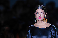 NOVA YORK, EUA, 08.09.2018 - MODA-EUA - Modelo desfila para grife Lesunja durante na New York Fashion Week na cidade de Nova York nos Estados Unidos neste sábado, 8. (Foto: Vanessa Carvalho/Brazil Photo Press)