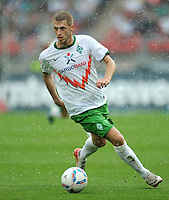 FUSSBALL   1. BUNDESLIGA  SAISON 2011/2012   6. Spieltag 1 FC Nuernberg - SV Werder Bremen         17.09.2011 Aaron Hunt (SV Werder Bremen)