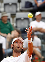 Il francese Stephane Robert al servizio durante gli Internazionali d'Italia di tennis a Roma, 11 maggio 2016.<br /> France's Stephane Robert serves the ball to Serbia's Novak Djokovic at the Italian Open tennis tournament, in Rome, 11 May 2016.<br /> UPDATE IMAGES PRESS/Isabella Bonotto