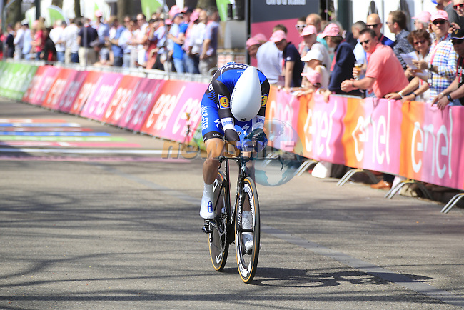 Pieter Serry (BEL) Etixx-Quick Step crosses the finish line of Stage 1 of the 2016 Giro d'Italia, an individual time trial of 9.8km around Apeldoorn, The Nethrerlands. 6th May 2016.<br /> Picture: Eoin Clarke | Newsfile<br /> <br /> <br /> All photos usage must carry mandatory copyright credit (&copy; Newsfile | Eoin Clarke)