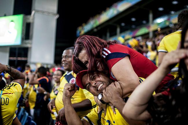 Pilar, madre de James Rodriguez celebra el cuarto gol que marco su hijo durante el partido que Colombia le gan&oacute; 4 a1 a Jap&oacute;n  en Cuiaba el 24  de junio de 2014.<br /> <br /> Foto: Joaquin Sarmiento/Archivolatino<br /> <br /> COPYRIGHT: Archivolatino<br /> Solo para uso editorial. No esta permitida su venta o uso comercial.