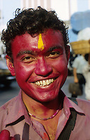 "S?dasien Asien Indien IND Bombay Mumbai .indisches Fruehlingsfest Holi , Menschen bespruehen bespritzen bewerfen sich mit Farbe Farbpuder , junger Mann lachen lachend lustig -  Fest Feste Festival Inder indisch xagndaz | .South Asia India Bombay Mumbai .indian spring festival Holi , people throw color and powder  -  laughing man with colourful red face .| [ copyright (c) Joerg Boethling / agenda , Veroeffentlichung nur gegen Honorar und Belegexemplar an / publication only with royalties and copy to:  agenda PG   Rothestr. 66   Germany D-22765 Hamburg   ph. ++49 40 391 907 14   e-mail: boethling@agenda-fototext.de   www.agenda-fototext.de   Bank: Hamburger Sparkasse  BLZ 200 505 50  Kto. 1281 120 178   IBAN: DE96 2005 0550 1281 1201 78   BIC: ""HASPDEHH"" ,  WEITERE MOTIVE ZU DIESEM THEMA SIND VORHANDEN!! MORE PICTURES ON THIS SUBJECT AVAILABLE!! INDIA PHOTO ARCHIVE: http://www.visualindia.net ] [#0,26,121#]"